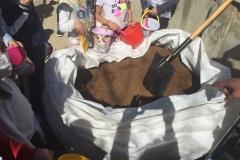 El-huerto-escolar-del-CEIP-Pintor-Camaron-llena-de-color-los-patios-del-colegio-1