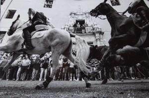 Premio categoría entrada de toros y caballos - Instante - fotografía taurina