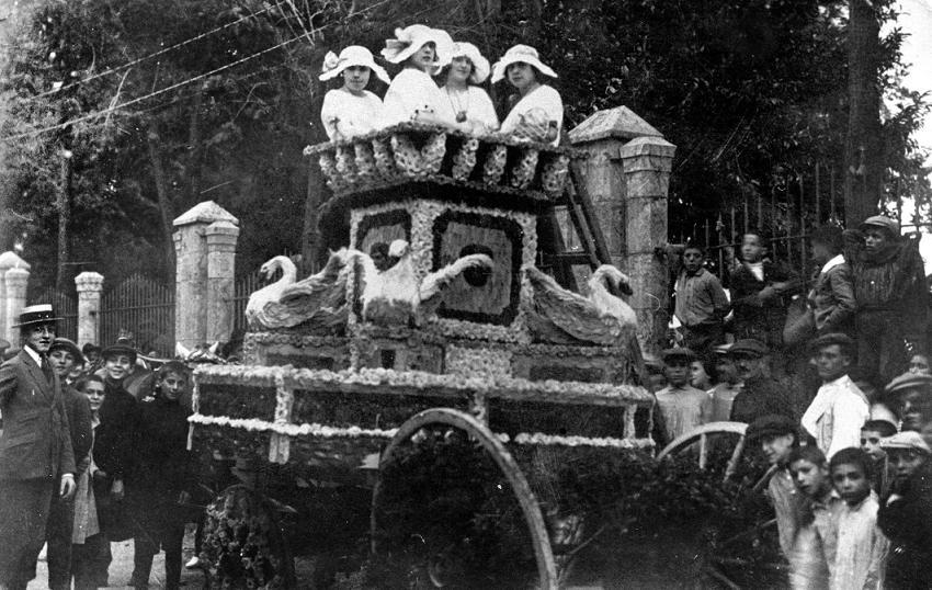 Batalla de flores 1900 aprox. Fotografía del archivo municipal de Segorbe