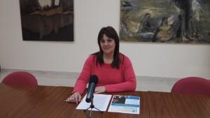 La Concejala de Bienestar Animal del Ayuntamiento de Segorbe, Yolanda Sebastián, en rueda de prensa