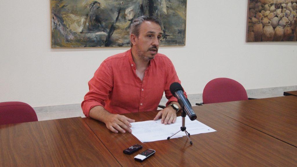 Rafael Magdalena en rueda de prensa