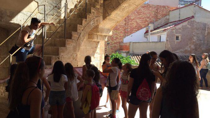Reinas, Damas y Cortes 2016 visitando las Torres de Segorbe. Fiestas de Segorbe