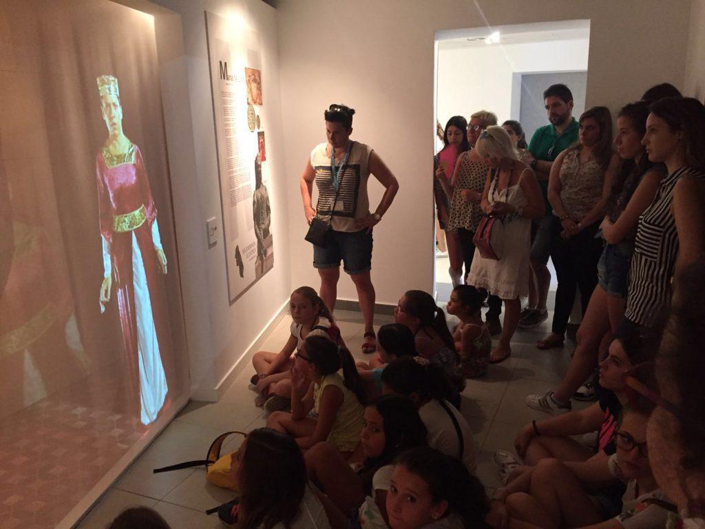 Reinas, Damas y Cortes 2016 visitando el Museo de Segorbinos Ilustres