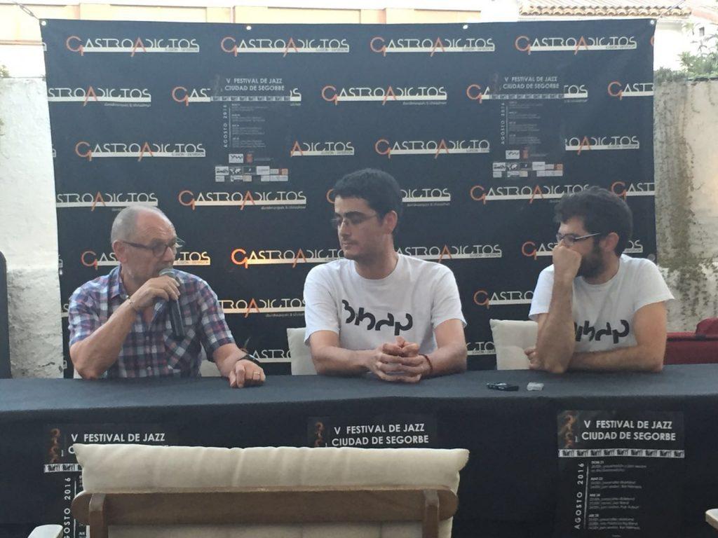 El Concejal de Cultura y dos de los organizadores del Festival, en rueda de prensa