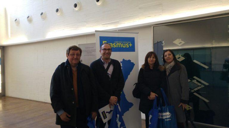 Profesorado del IES Alto Palancia asiste a la jornada como ponente