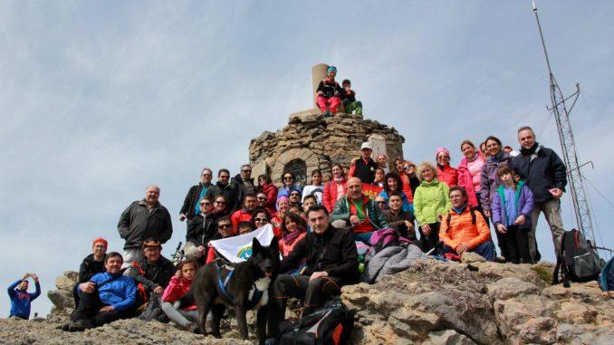 Grupo senderista en Peñagolosa
