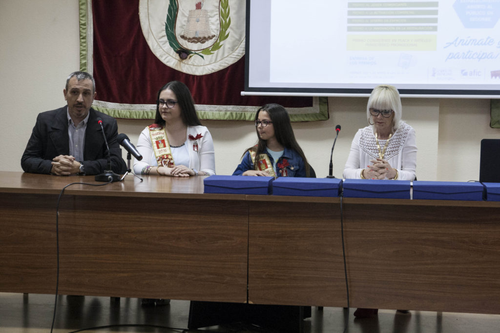 Las Reinas de las Fiestas de Segorbe entregan los Premios al Comercio de Segorbe 2017