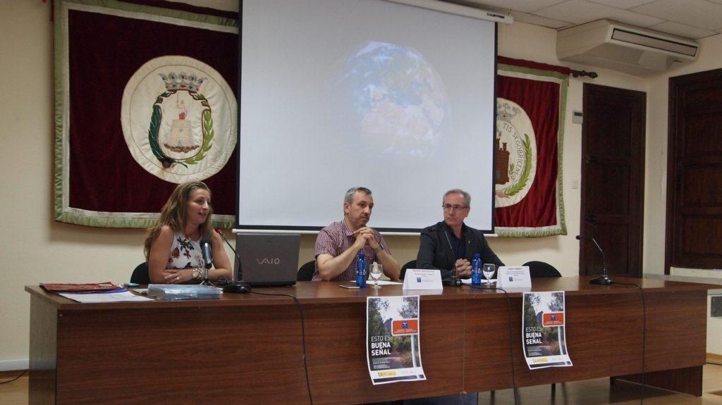 Presentación, con la técnico de turismo, Josep Gisbert y Rafael Magdalena