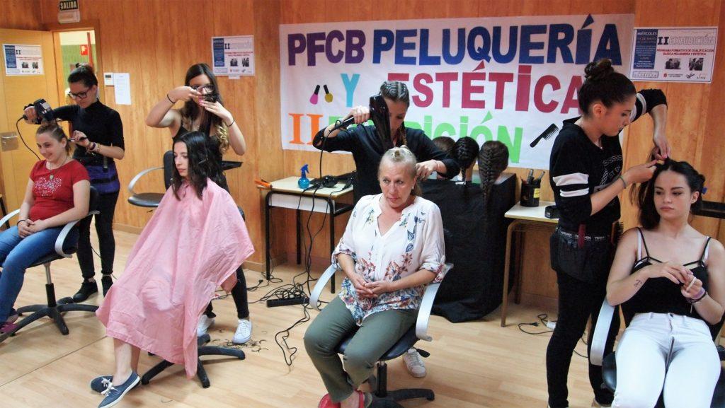 II Exhibición del P.F.C.B. de auxiliar de peluquería y estética de Segorbe