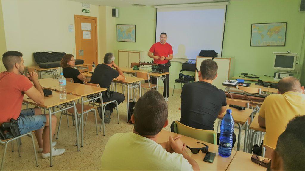 La Policía Local de Segorbe asiste a un curso de formación en el Edificio Glorieta