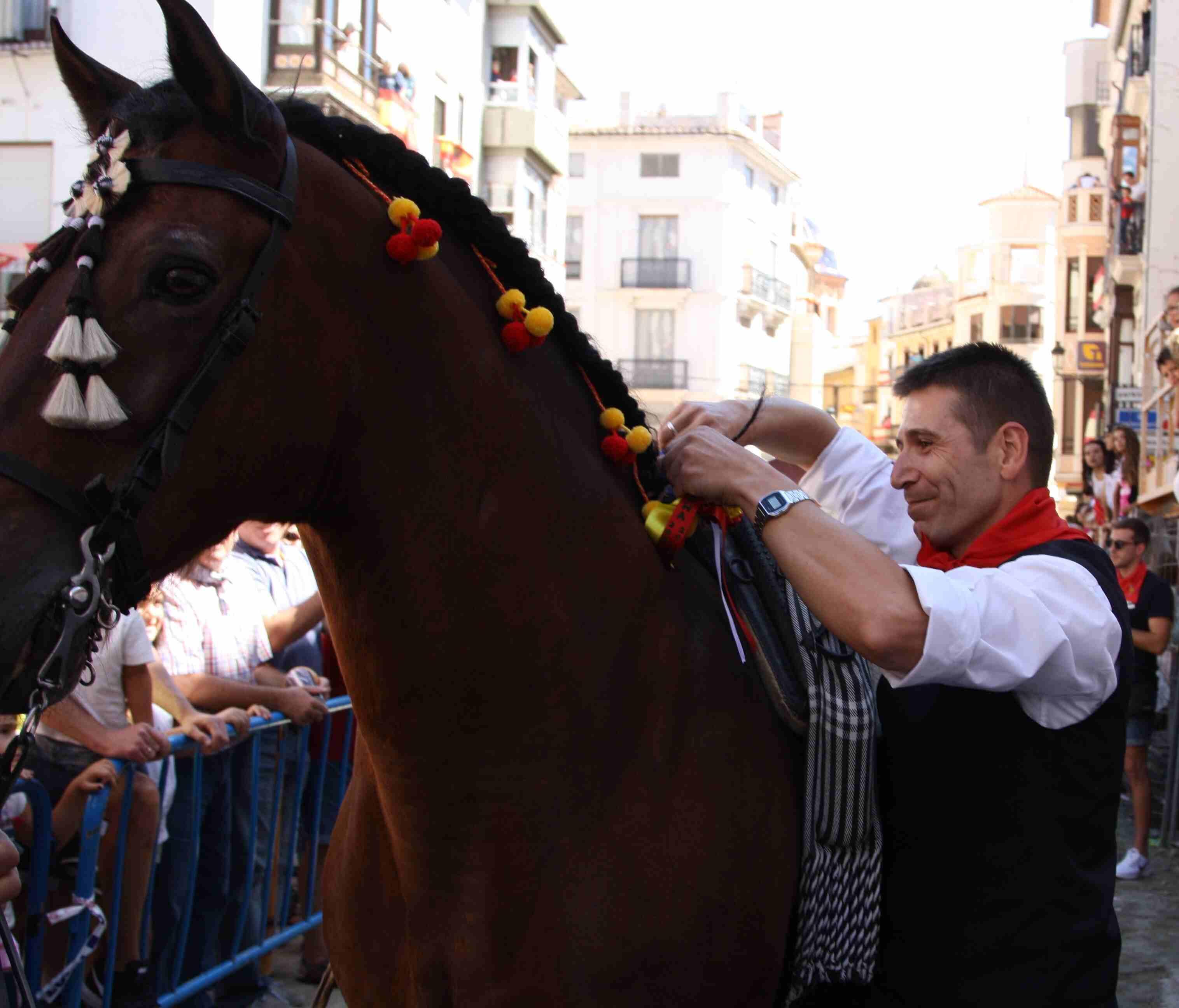 Flecha, el caballo de Juan Calpe, participa en su última Entrada de Toros y Caballos