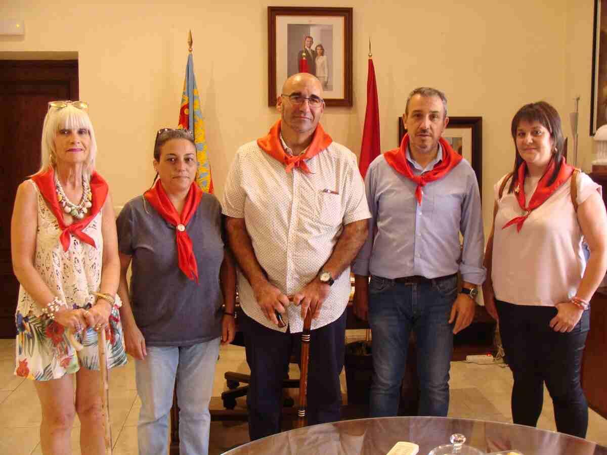 Jordi Navarrete, Senador de Compromís, junto al Alcalde y concejalas del Ayuntamiento de Segorbe