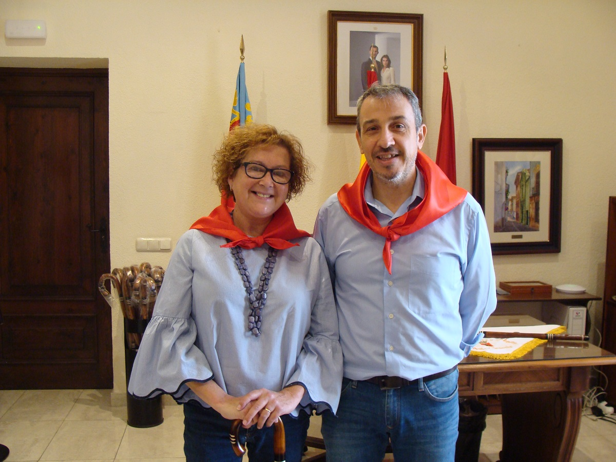 Recepción de autoridades. Alcaldesa de Alcudia de Veo, Eugenia Villar