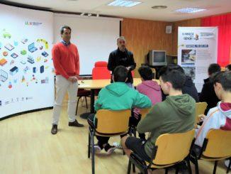 El Alcalde, Rafael Magdalena, en la inauguración de las jornadas Connecta amb la Ciència en el Edificio Glorieta