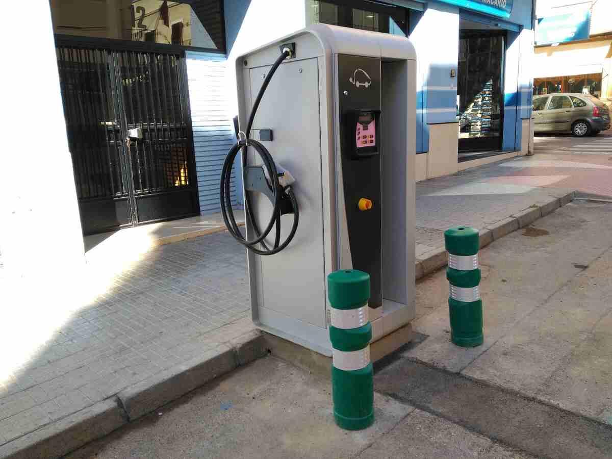 Estación de recarga eléctrica avenida Fray Luis Amigó de Segorbe
