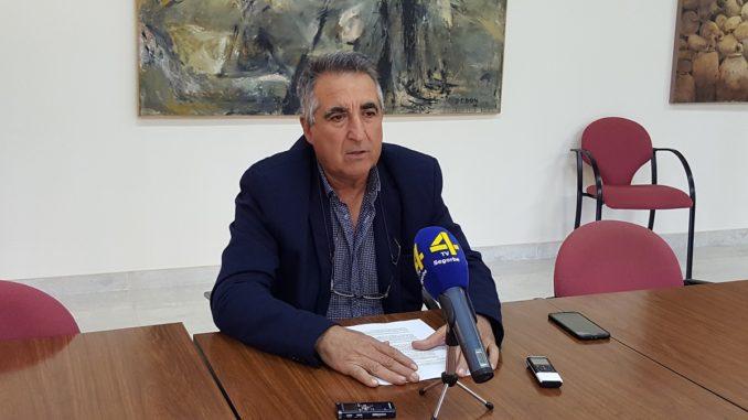 El Concejal Luis Gil, en rueda de prensa