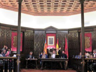 Durante la votación en el pleno del Ayuntamiento de Segorbe