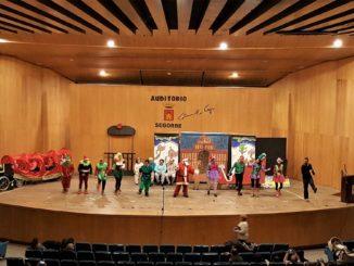 El Centro Ocupacional de Segorbe celebra su Festival de Navidad, demostrando un magnífico trabajo en decorados y coreografía