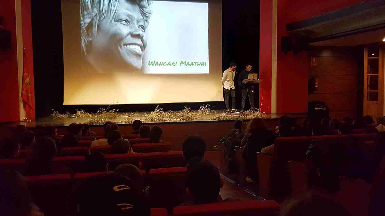 Estudiantes del IES Alto Palancia imparten una charla de concienciación con motivo del Día del Árbol en Segorbe