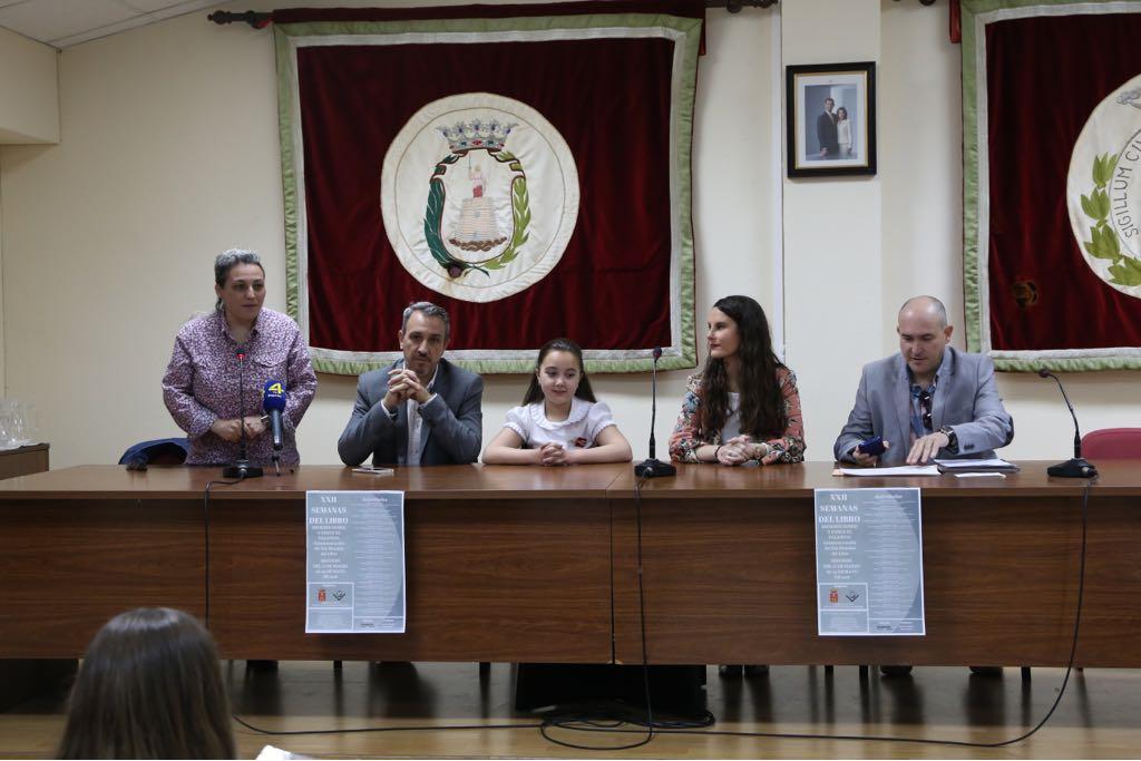 Certamen literario biblioteca y casetas del Día del Libro en Segorbe