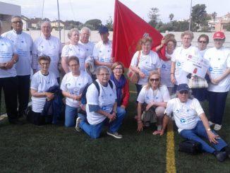 El equipo de Segorbe posa con la bandera de la ciudad