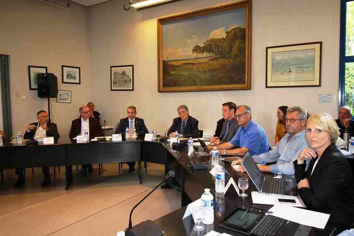 Reunión de trabajo en Andernos-les-Bains