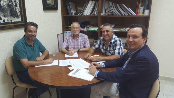 El concejal de Industria, Luis Gil, en contacto con representantes de la Entidad de Conservación del Polígono