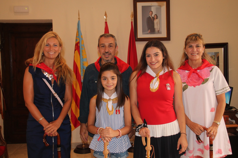 El Alcalde de Segorbe, Rafael Magdalena, y las Reinas 2018, junto a Autoridades del Ayuntamiento de Castellón