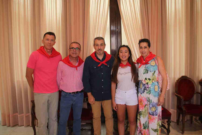 El Alcalde de Segorbe, Rafael Magdalena, junto a representantes del Ayuntamiento de Cervera