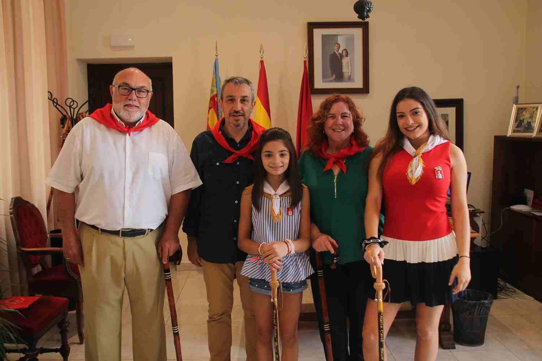 El Alcalde de Segorbe, Rafael Magdalena, y las Reinas 2018, junto al Secretario Autonómico de Agricultura, y la Alcaldesa de Jérica, M.ª Luisa Domingo
