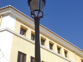 Una de las farolas de Segorbe ya renovada