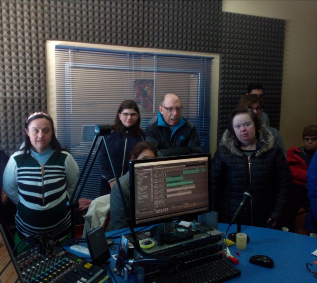 Visita del Centro Ocupacional a la radio