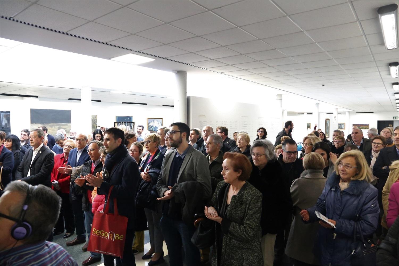 Asistentes a la exposición '75 años de arte en Segorbe'