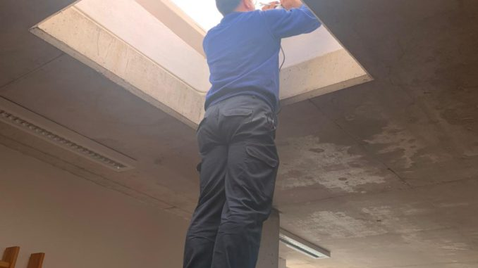 Reparación de las claraboyas del CADES de Segorbe
