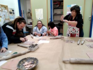 Taller de cerámica con los alumnos de Educación Especial del CEIP Pintor Camarón